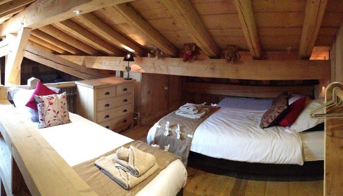 chalet daisy mezzanine room