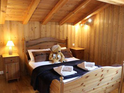 double bedroom in chalet le mousseron morzine