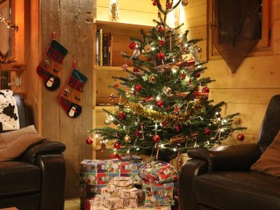 ski chalet christmas tree with presents