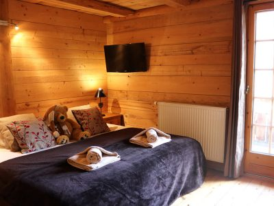 luxury catered chalet double room